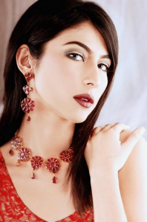 Hot Pakistani Fashion Model Meesha Shafi  Profile & Pictures (2)