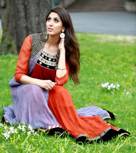 Erum Khan Trendy and stylish summer dress (2)
