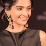 Indian Actress sonam kapoor profile (6)Indian Actress sonam kapoor profile (6)