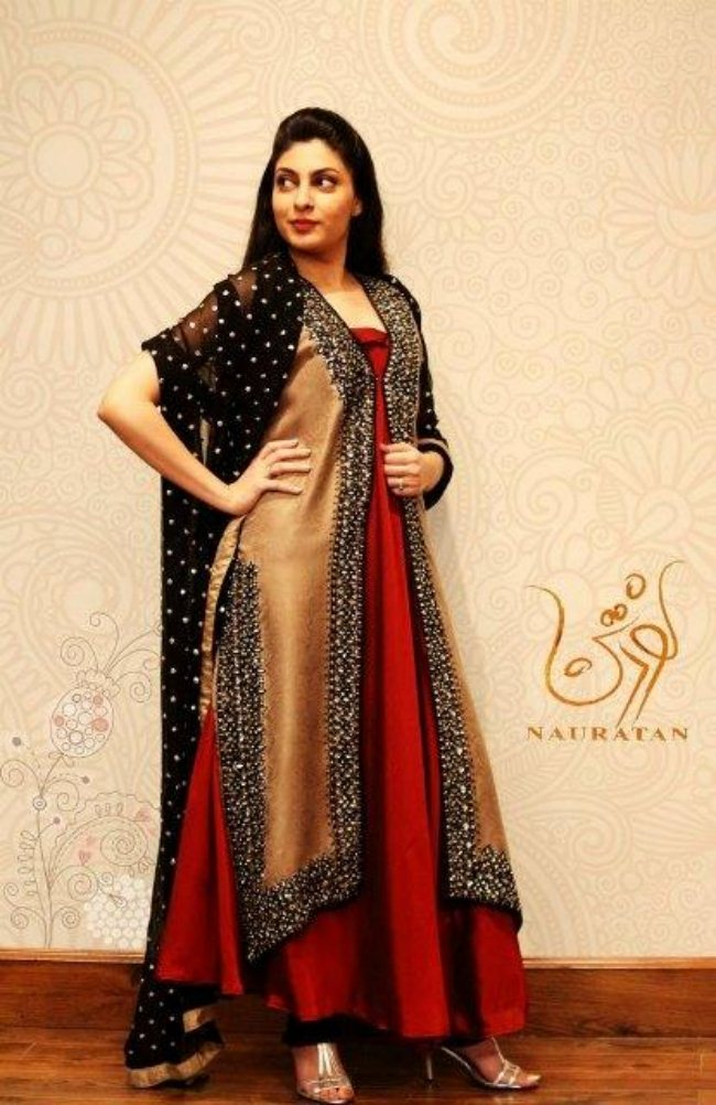 Nauratan Is One Of The Well Known Fabric Brands Of Pakistan