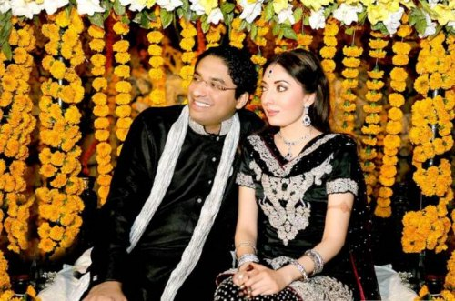 Sharmeela Farooqi engagement pictures (4)
