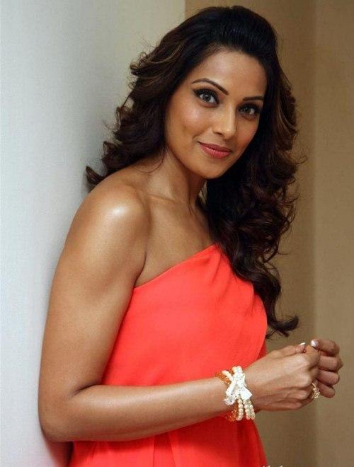 Bipasha Basu hot pictures (4)