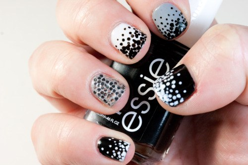 Black and White dotted Nails art for women (4)