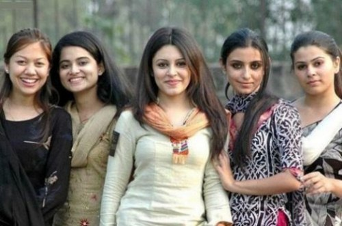 Pakistani School college girls pictures (1)