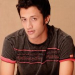 Pakistani Singer Atif Aslam Hot Pictures (14)