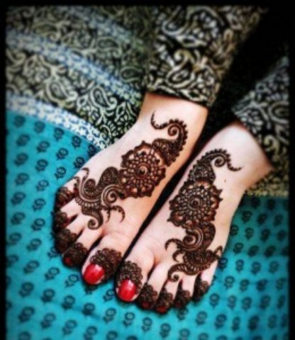 Latest Eid ul fitr mehndi desings 2013-2014 for girls (2)