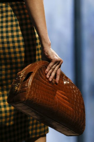 Prada Autumn Winter leather Handbags women Milan Fashion Week (1)