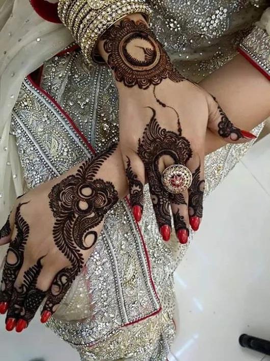 Stylish party Henna designs