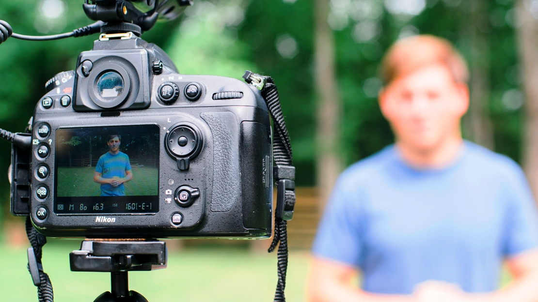 "How to Video Blog - A Quick start Guide to Get ""Vlogging"""