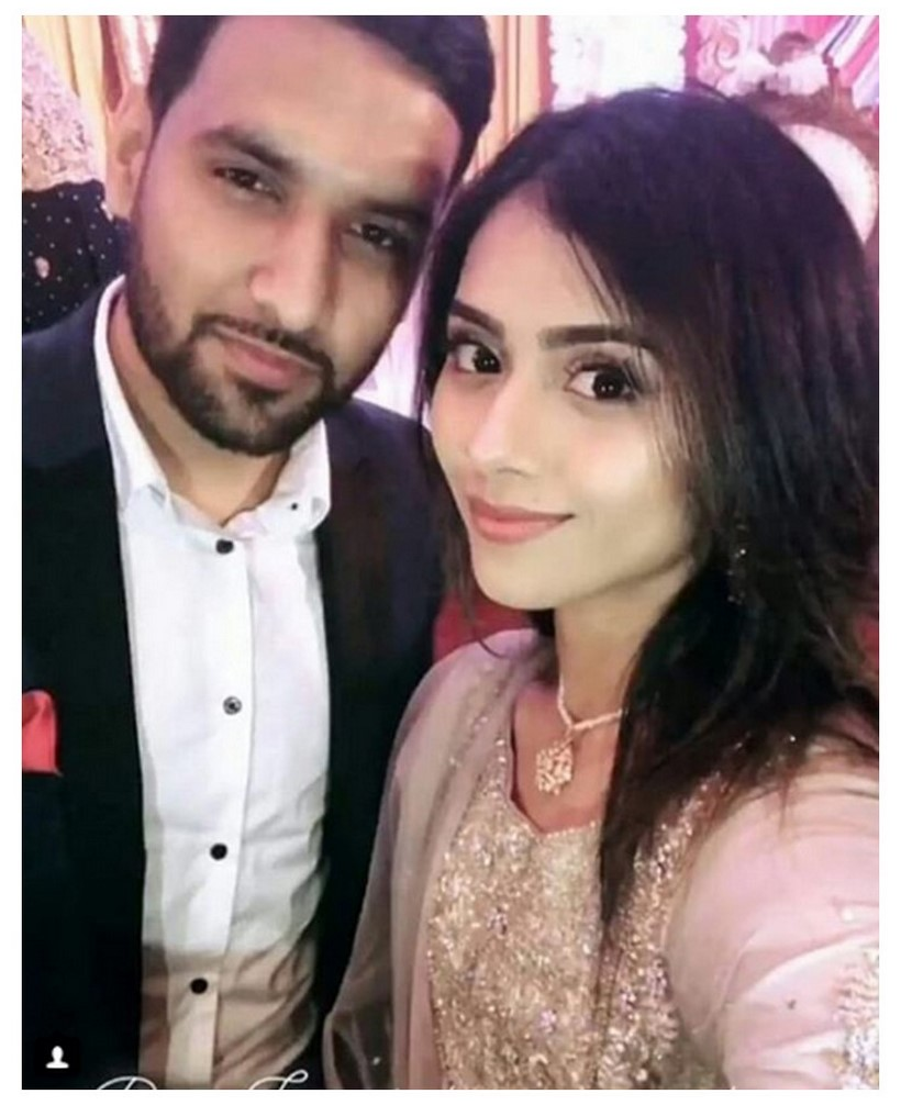 Zaid Ali with Wife Yumnah at a Wedding Ceremony (6)