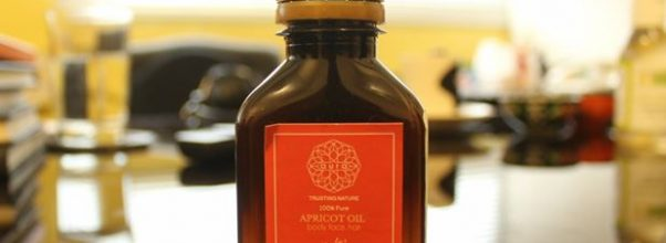 Apricot oil by Aura Crafts